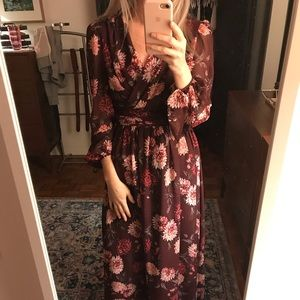 Dresses & Skirts - ***must sell*** Gal Meets Glam maxi dress
